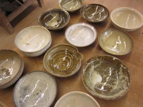 藁灰釉の鉢