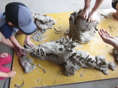 粘土で作った恐竜