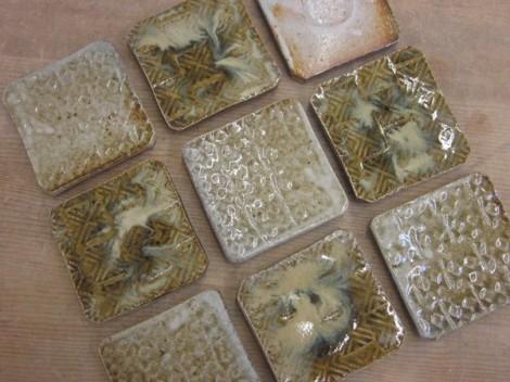 藁灰釉と長石釉の角皿