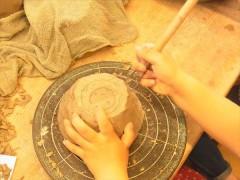 幼児の陶芸