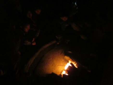 穴窯の窯焚き