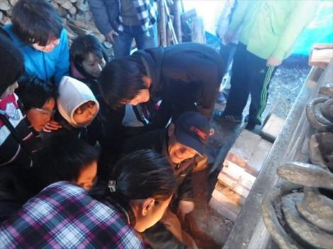 登り窯 窯焚き 草來舎 和食器 信楽 伊賀 灰釉 自然釉